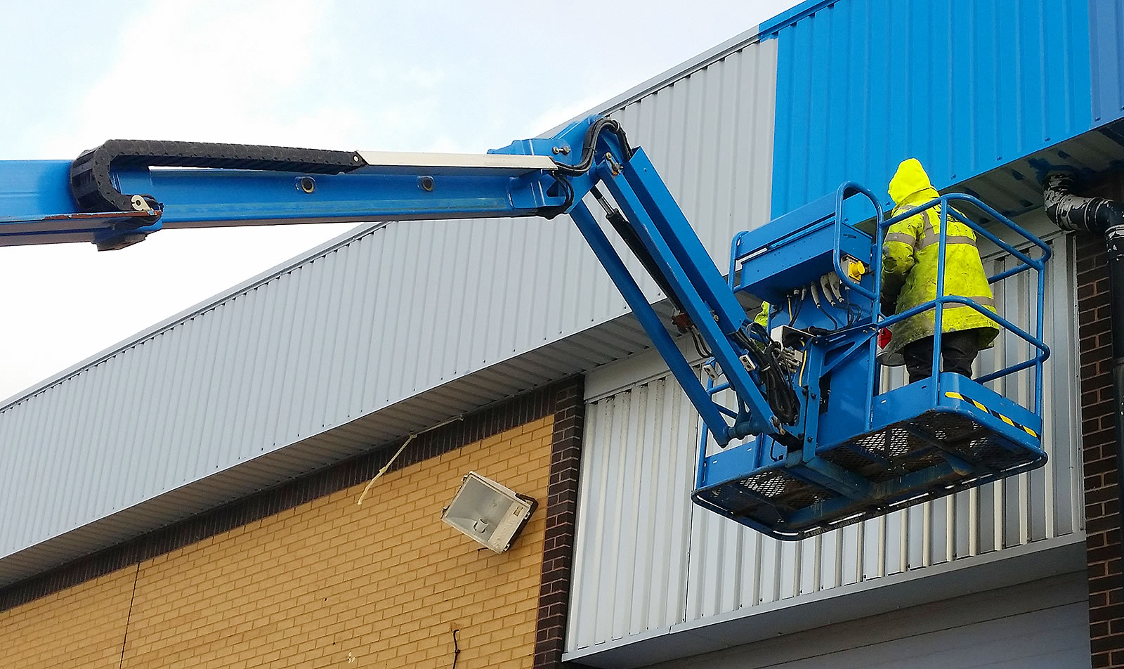 cladding painting cherry picker