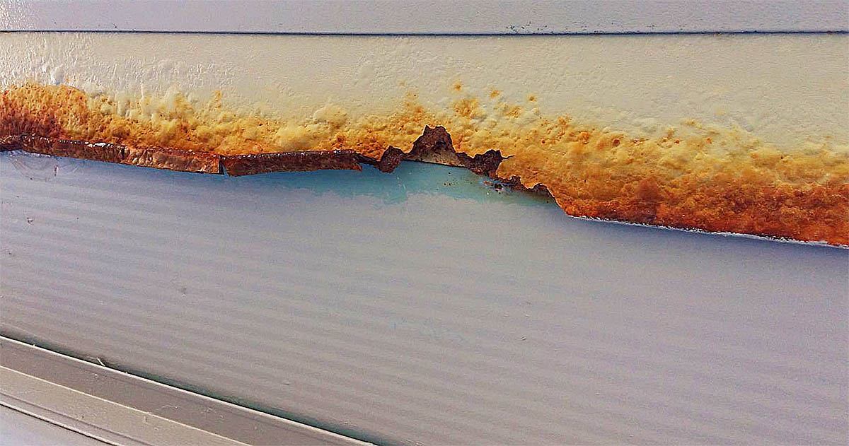 corrosion bubbling delamination